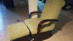 ROCKING CHAIR WITH GLIDER FOOT REST