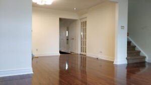 Beautiful 3 spacious bedroom home applewoods, move immediately