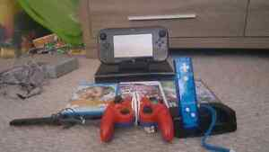 Wii U Deluxe 32GB + Two Controllers + 6 Games