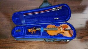 1/10 Size Stentor Kids Violin (case, bow, shoulder rest, book)
