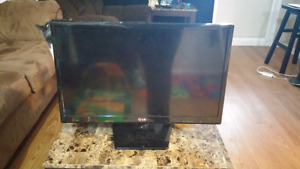 22 inch LG TV in perfect condition