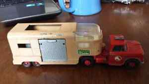 Ancien camion a chevaux matchbox super king