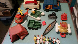 VINTAGE FISHER-PRICE ADVENTURE TOYS LOT 1975-1985