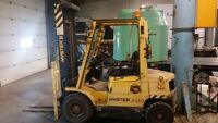 Caterpillar fork lift and stinger attachment