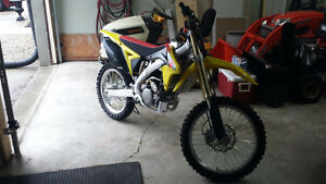 Brand New Mint Mint 2012 Suzuki RMZ 250F Kitchener / Waterloo Kitchener Area image 3