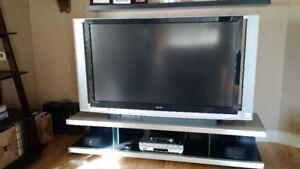 Téléviseur Sony 60po avec Base