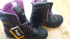 Womans lightweight waterproof, composite toe workboots