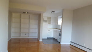 Corner 2 Bedroom at White House Apartments