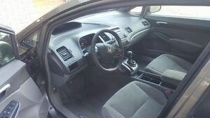 2006 Honda Civic 5 speed good shape  Peterborough Peterborough Area image 2