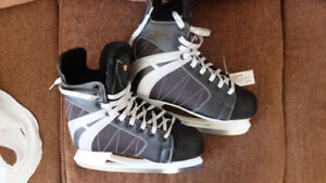 Ice skates for sale - Size 8 womans and size 11 mens