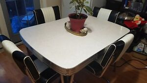 50's Chrome Dinette with leaf and matching chairs