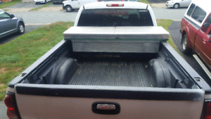 Full size truck tool box