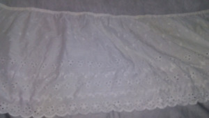Double bed skirt white bedding sheets