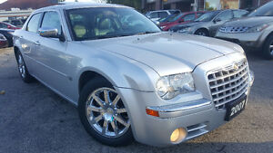 2007 Chrysler 300-Series 5.7L HEMI Sedan - LOW KM! MINT! Kitchener / Waterloo Kitchener Area image 7