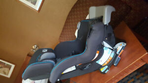 Mint condition extend2fit graco car seat for sale !!!