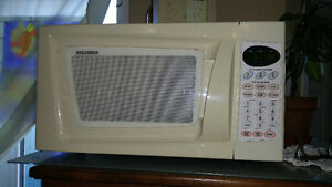 An oldie but a goody microwave