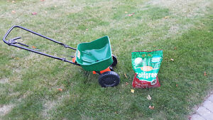 Fertilizer spreader and 6kg bag of FERTILIZER