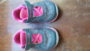 Champion girls size 4 running shoes