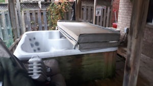 Hot tub for sale - very good condition