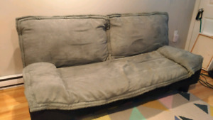 Quality futon with removable cover