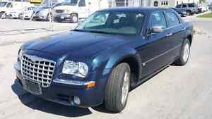 2005 chrysler 300c - All Wheel Drive with low KM