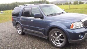 Lady Driven 2003 Lincoln Navigator