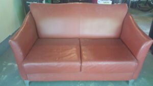 LEATHER 2 PILLOW LOVE SEAT