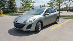 Mazda 3 sport 2010 - Excellent Condition, comes with winter tire