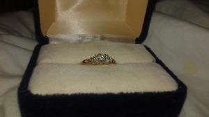 Beautiful cluster promise/engagement ring