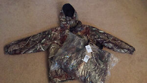 NWT insulated camo suit