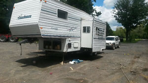 Roulotte Coachman Cascade 26` Fifth Wheel