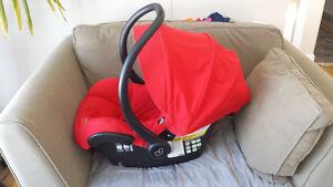 Maxi Cosi Mico AP car seat (2 bases)