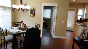 Students / Roommates - 4bed 3bath inner city townhome for rent!