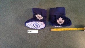 Toronto Maple Leafs sz 6-9 months slippers
