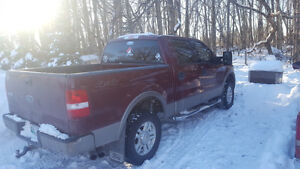 2004 Ford F-150 SuperCrew Lariet Pickup Truck