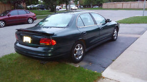 1999 Olds Intrigue 3.5 Automatic GL with Sunroof