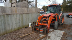 KUbota L5740 with cab and Loader