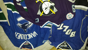 chandails LNH NHL jersey Crosby stamkos et compagnie Saint-Hyacinthe Québec image 3