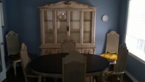 FRENCH PROVINCIAL TABLE AND HUTCH