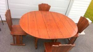 Table de cuisine en bois solide 4 à 6 personnes
