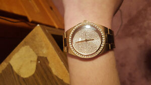 Guess gold watch Kitchener / Waterloo Kitchener Area image 1