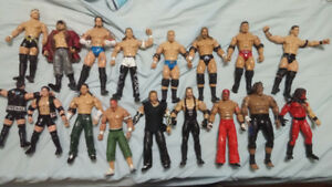 WWE Action Figures & Weapons/Accessories