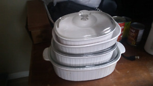 Set of casserole dishes