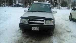 2000 4x4 Tracker for sale
