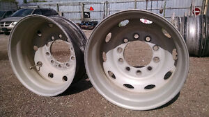 Stud piloted wheels