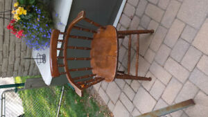 Antique windsor tub chair