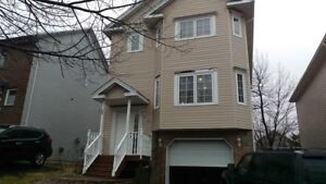 SINGLE FAMILY HOME IN CLAYTON PARK!