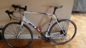 Fuji Sportif 1.3 (Road Bike) 2013