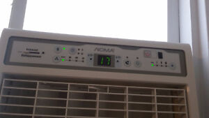 Vertical  air conditioning used only for 2 months bought for500$ London Ontario image 2