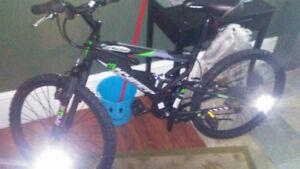 Large RealTree camo fall jacket & 3x6 Hyper Bike